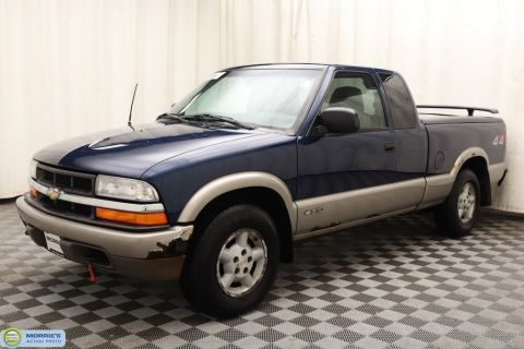 "Used Chevrolet S-10 Ext Cab 123"" WB 4WD LS"