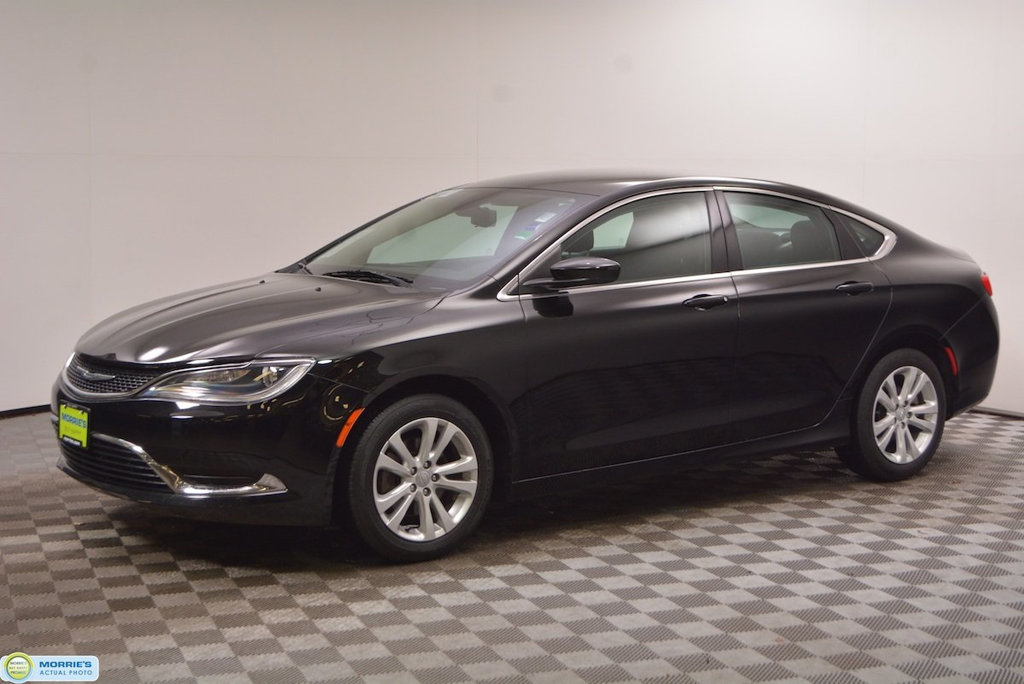 Pre Owned  4dr Sedan Limited Fwd