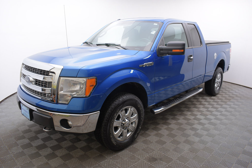 Pre-owned 2013 ford f-150 lariat crew cab pickup in lexington.