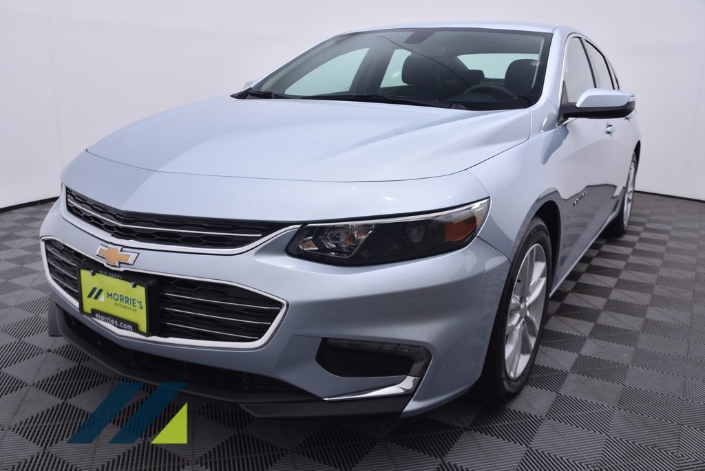 Pre-Owned 2017 Chevrolet Malibu 4dr Sedan LT w/1LT Front Wheel Drive Sedan