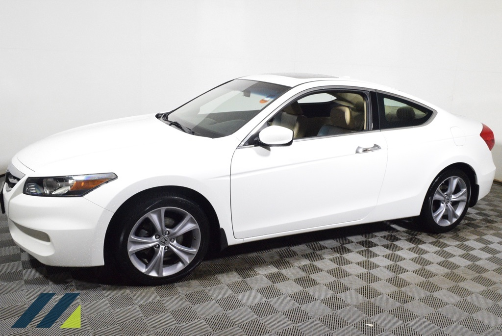 Pre-Owned 2012 Honda Accord EX-L