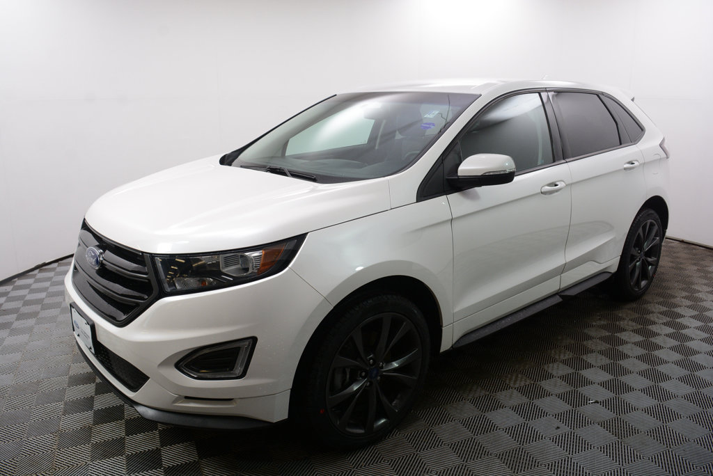 Certified Pre Owned  Ford Edge Dr Sport Awd