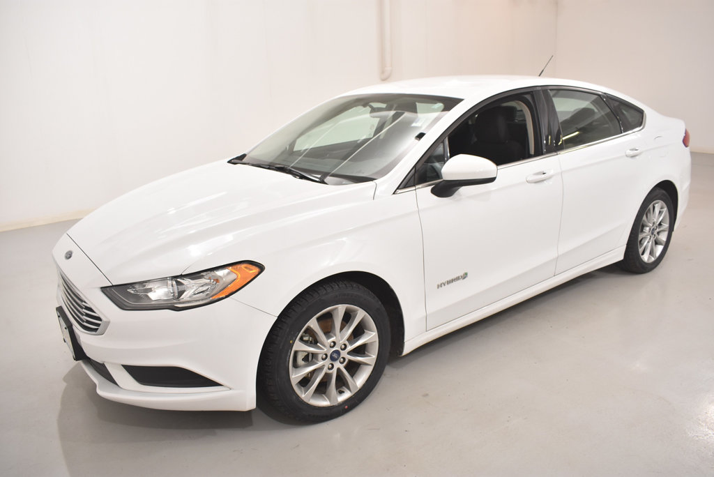 Pre Owned 2017 Ford Fusion Hybrid Se Fwd