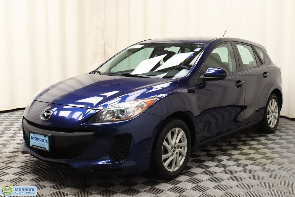Pre Owned 2013 Mazda3 5dr Hatchback Manual I Touring