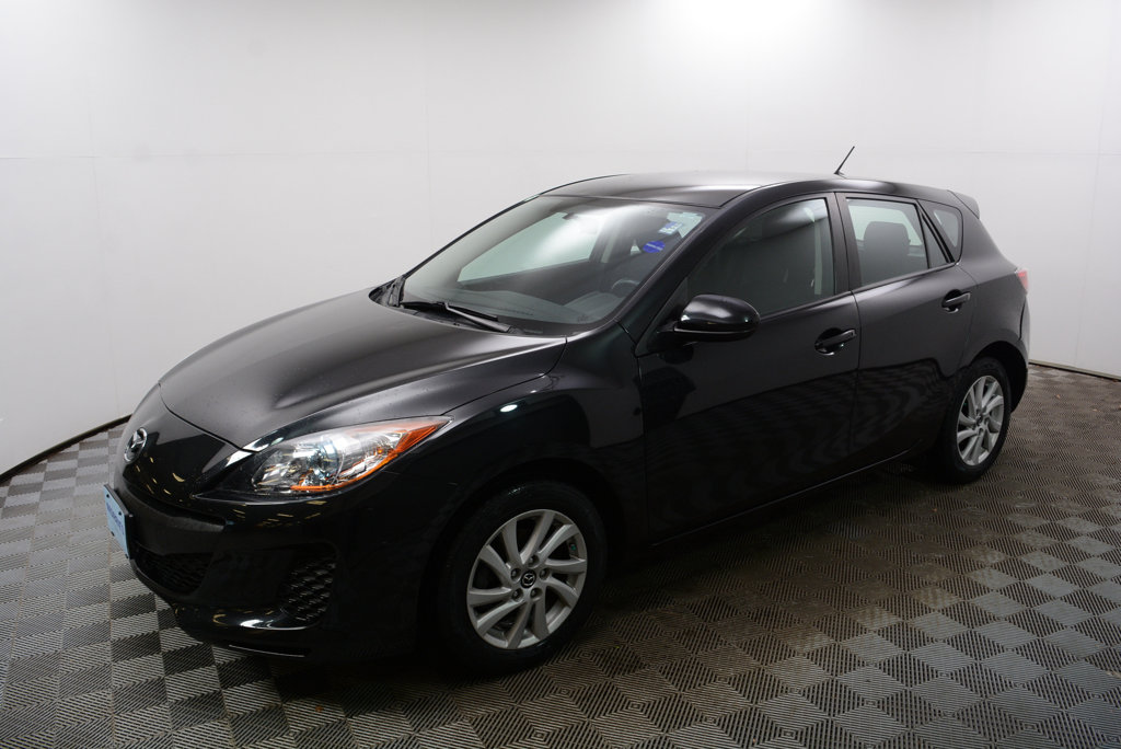 Pre Owned 2013 Mazda3 5dr Hatchback Automatic I Touring