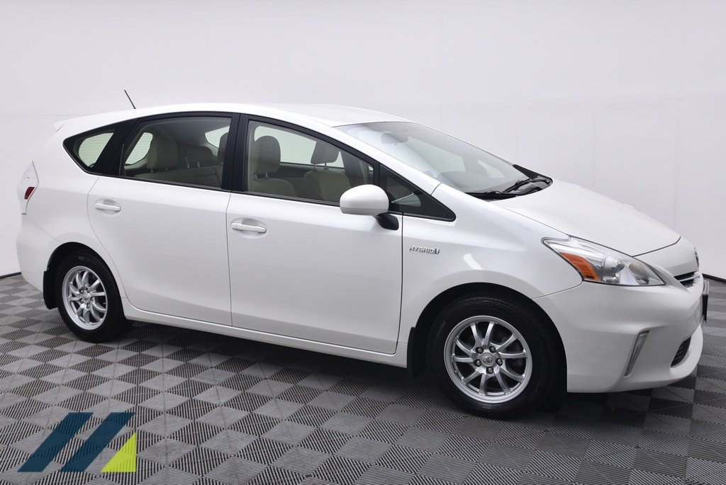Pre-Owned 2012 Toyota Prius v 5dr Wagon Three Front Wheel Drive Wagon