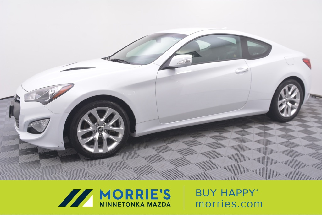 2016 Hyundai Genesis Coupe >> Pre Owned 2016 Hyundai Genesis Coupe 3 8 Rwd 2d Coupe
